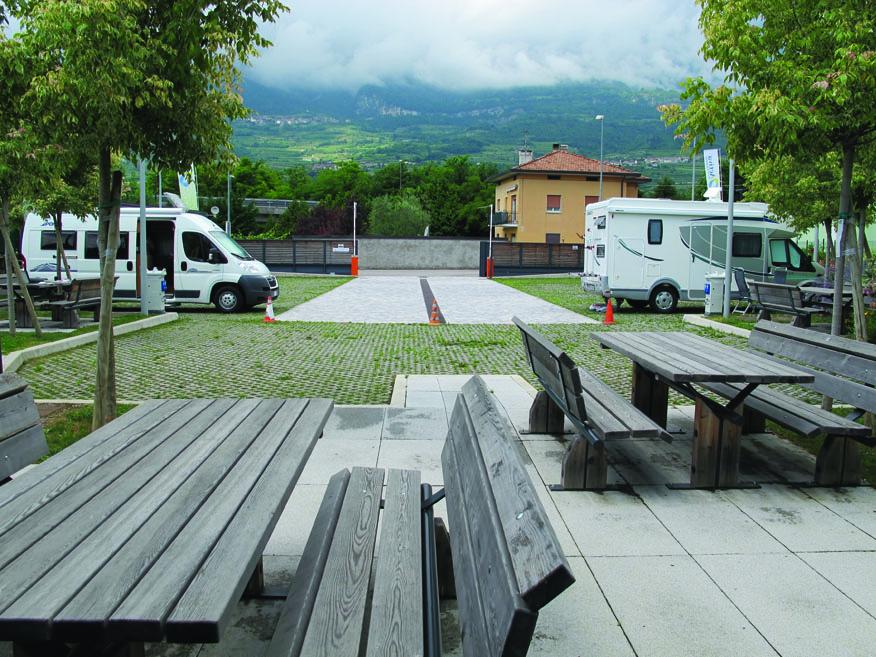 Area di Sosta Camper Quercia