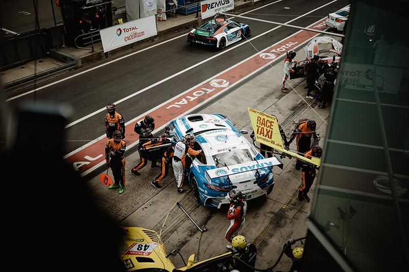 Knaus al Nürburgring con Mercedes