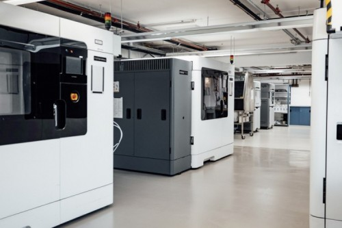 Mercedes-Benz rende disponibili le proprie stampanti 3D per la produzione di dispositivi medicali