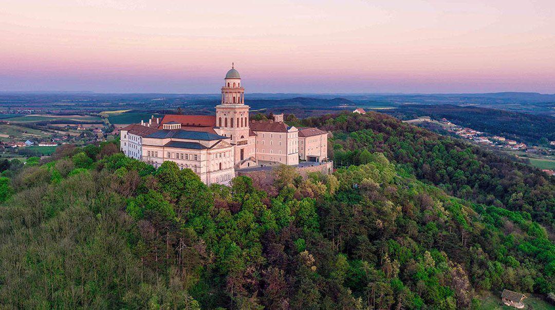 L' Abbazia benedettina in Ungheria